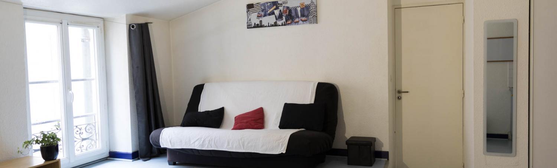 Appartement 2 pièces de 40 m2 meublé centre-ville de Nîmes à proximité de la gare SNCF et des arénes disponible à partir du 15 juillet 2021