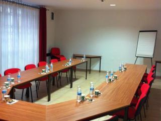 Location salle de réunion 2 à 40 personnes à Nîmes - Salle Hemingway