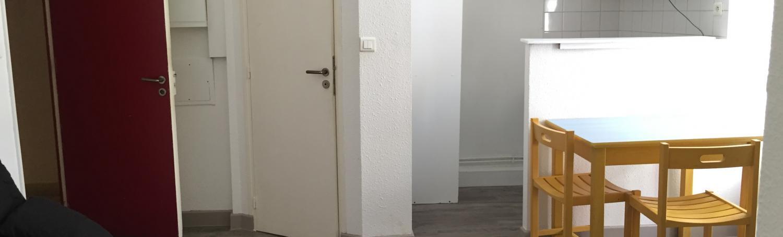 Appartement 2 pièces meublé et équipé en résidence pour étudiant situé centre ville de Nîmes quartier gare arènes disponible le 16 août 2021