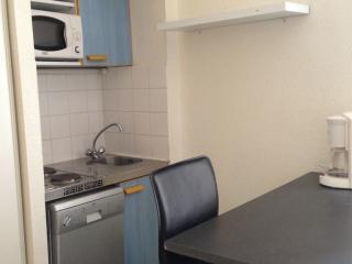 Appartement 2 piéces meublé et équipé disponible début février 2021  quartier gare/arénes