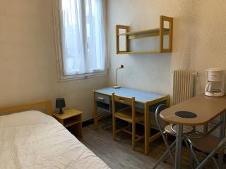 studio meublé en résidence étudiante disponible situé près du Lycée Alphonse Daudet et de la Fac des Carmes