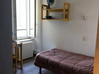 Appartement en location courte durée stage école - Résidence étudiante Le Grizot - Centre ville de Nîmes